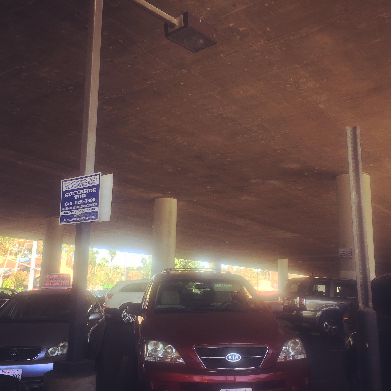 parking_under_freeway